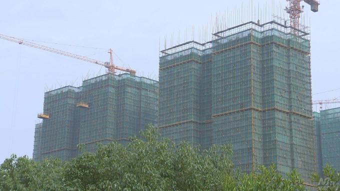 山东某地开发商24层楼体稳固抬升项目