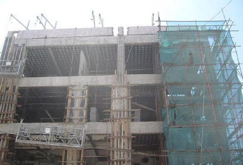 青岛某实验小学教学楼首层拆除承重墙加固工程