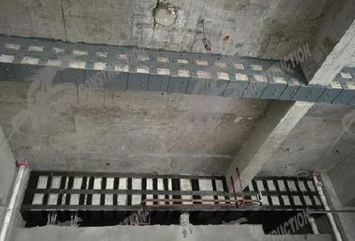 钢绞线加固复合材料片材加固的方式