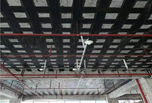 采用哪些砖烟囱裂缝施工方案?