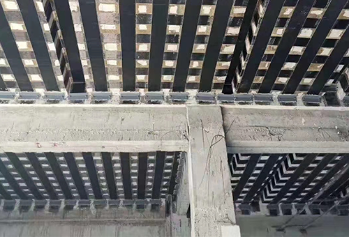 现代建筑加固技术中,碳纤维加固技术的优势所在